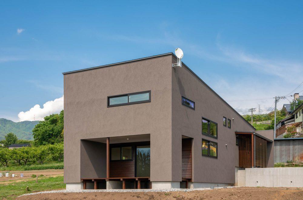 傾斜地に建つ眺望の家イメージ02