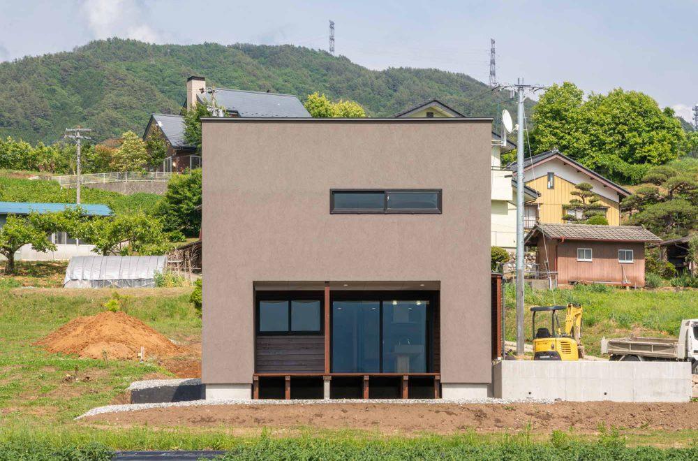 傾斜地に建つ眺望の家イメージ03